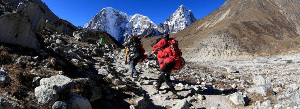 פורטרים בטרק בנפאל