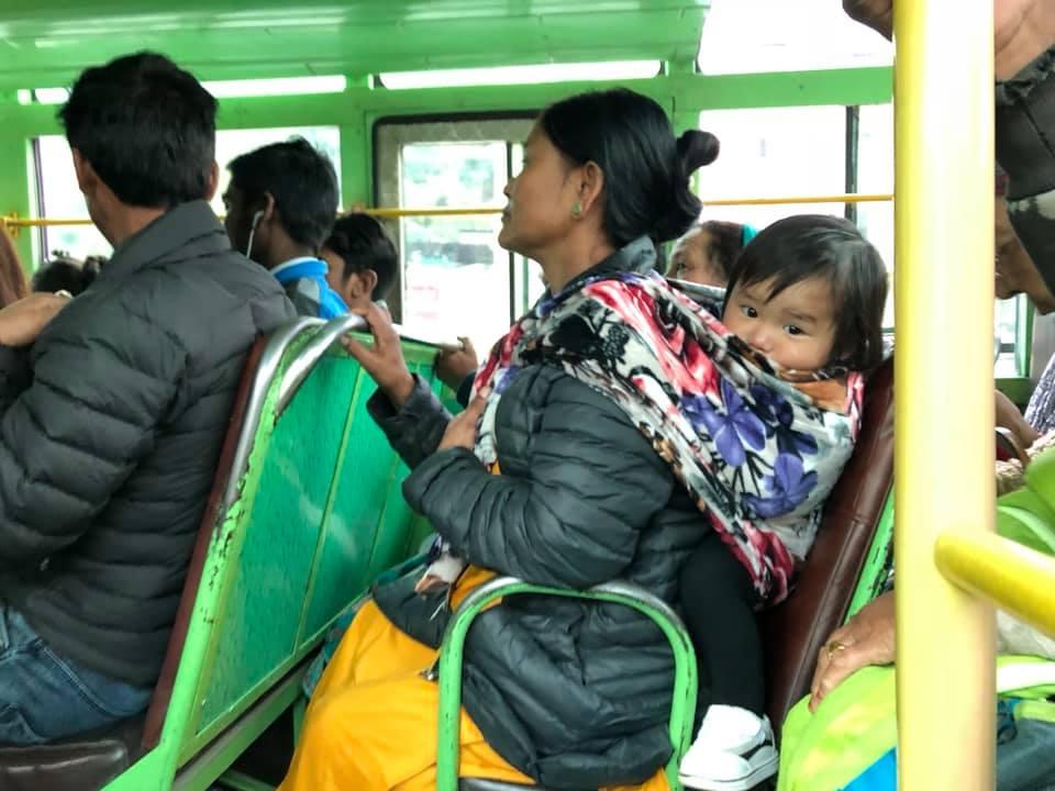 אוטובוס לוקאל בהודו.