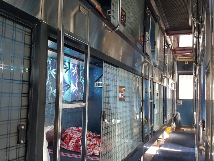 אוטובוס סליפר בהודו.